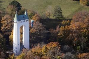Schönbergturm aus der Luft